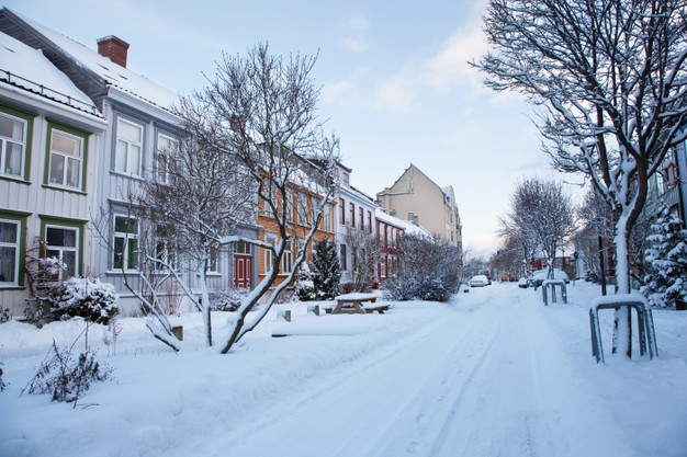 What You Need To Know About Selling A Home In Winter